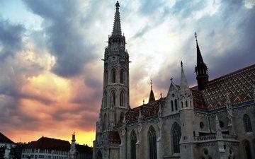 облака, закат, башня, архитектура, венгрия, будапешт, кафедральный собор, старое здание.будапешт.венгрия, старое здание