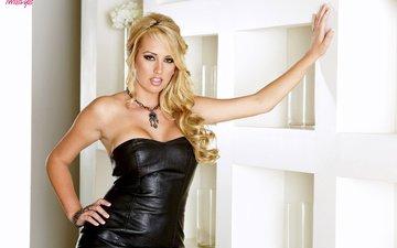 девушка, блондинка, модель, черное платье, декольте, brett rossi, голые плечи