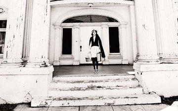 лестница, стиль, ретро, чёрно-белое, здание, актриса, шляпка, чемодан, ступени, ellen von unwerth, одейя раш