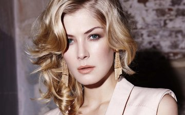 girl, blonde, look, hair, face, actress, earrings, green-eyed, rosamund pike