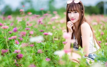 цветы, девушка, поле, взгляд, волосы, азиатка, боке