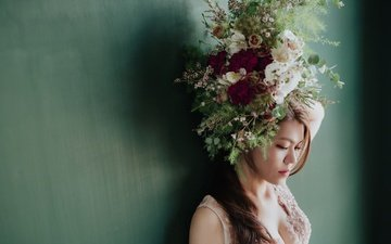 flowers, girl, background, look, hair, bouquet, face, wreath