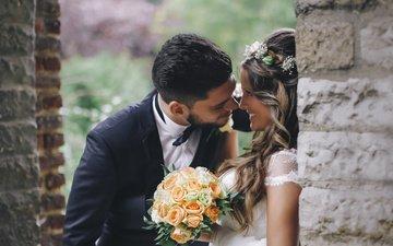 цветы, стена, любовь, букет, жених, чувства, кирпичи, невеста