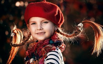 девочка, ребенок, берет, веснушки, шарф, косички, пеппи