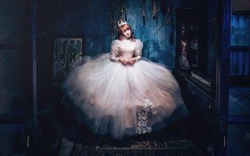 девушка, фон, взгляд, комната, волосы, корона, свадебное платье