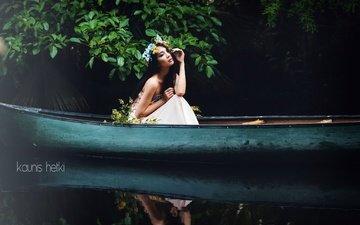вода, листья, девушка, отражение, брюнетка, ветки, лодка, модель, венок, азиатка, minh