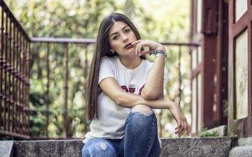 девушка, взгляд, модель, джинсы, волосы, губы, лицо, длинные волосы, andrea de lucas