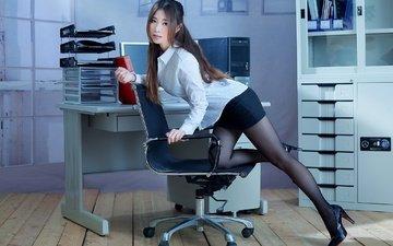 девушка, взгляд, юбка, ножки, волосы, офис, азиатка, блузка, секретарша