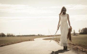 дорога, девушка, платье, меч, ситуация, медведь, игрушка, противогаз, катана, плюшевый мишка
