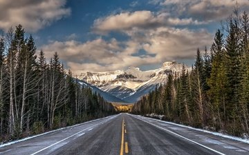 небо, дорога, облака, деревья, горы, снег, лес