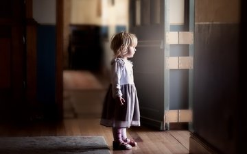 платье, дверь, дети, девочка, дом, ребенок, алая, gabriela slegrova