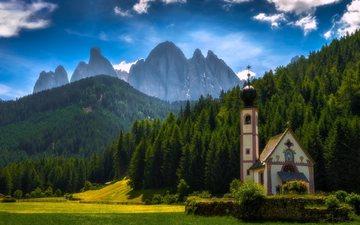 горы, лес, лето, луг, италия, церковь, санта маддалена, южный тироль, доломитовые альпы