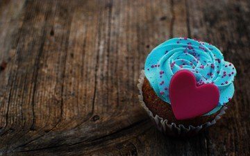 heart, love, sweet, dessert, cupcake, wooden surface