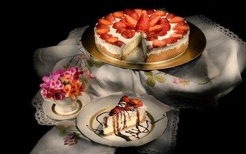 цветы, клубника, черный фон, салфетка, сладкое, торт, десерт, крем