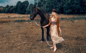 horse, trees, girl, hat, barefoot, damian piórko, navajo county