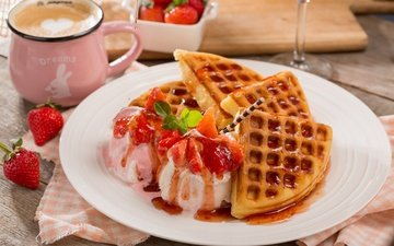 мороженое, клубника, ягоды, выпечка, десерт, вафли