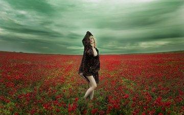 небо, цветы, девушка, настроение, поза, поле, маки, модель, маковое поле, vanessa galway