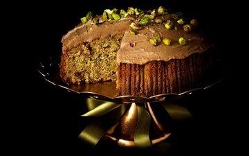 орехи, черный фон, сладкое, украшение, торт, десерт, фисташки, крем