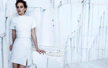 платье, стена
