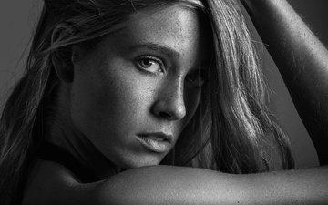 портрет, чёрно-белое, веснушки