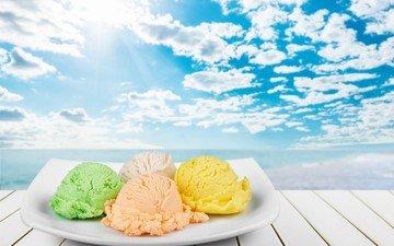 небо, облака, мороженое, шарики, десерт, деревянная поверхность