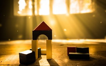 light, cubes, house, toys, window, the sun's rays