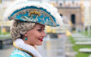 girl, smile, portrait, summer, look, beauty, profile, face, wig, makeup, fountains, peterhof, cocked hat