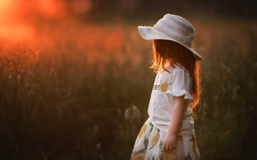 закат, поле, дети, девочка, волосы, шляпка