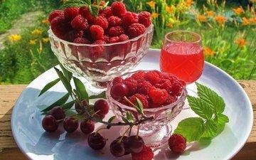зелень, листья, малина, стол, бокал, веточка, ягоды, вишня, тарелка, сок