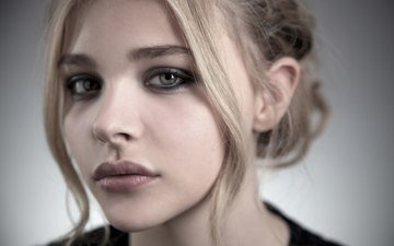 girl, blonde, portrait, look, lips, face, actress, chloe grace moretz, chloe moretz