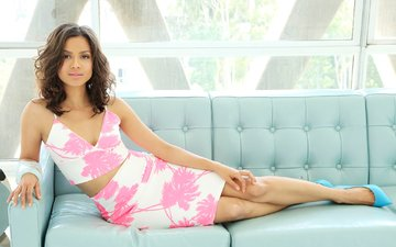 pose, brunette, lies, skirt, model, actress, makeup, hairstyle, figure, sofa, shoes, a word of embata-ro, gugu mbatha-raw, topic, chris fortuna