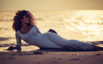 девушка, пейзаж, песок, пляж, лежит, модель, белое платье