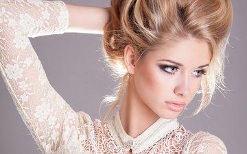 девушка, портрет, взгляд, модель, волосы, губы, руки, макияж, прическа