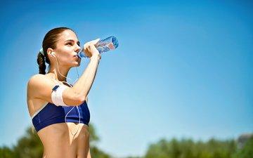 water, girl, headphones, model, sport, bottle