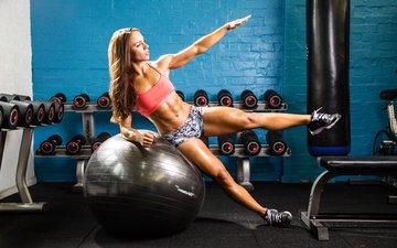 девушка, ноги, спорт, мяч, фитнес, спортивная одежда, тренировки