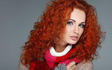 девушка, рыжая, модель, губы, лицо, кофта, зеленые глаза, макияж, шарф, кудрявая