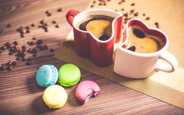 кофе, сердце, кружки, кофейные зерна, печенье, макаруны, миндальное печенье