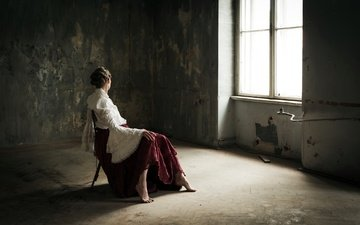 девушка, поза, модель, комната, ножки, окно, сидя, босиком, юлия, dorota górecka