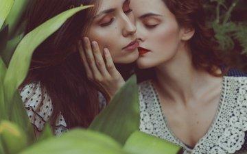 девушки, волосы, лица, макияж, модели, закрытые глаза, mara saiz, izabella stancicu, celia villora