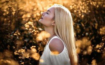 природа, девушка, блондинка, модель, макияж, закрытые глаза, jana