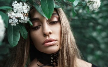 nature, plants, leaves, girl, portrait, look, model, lips, face, makeup, hypnosis, barbara blanca