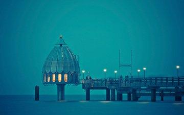 свет, фонари, закат, море, люди, причал, купол