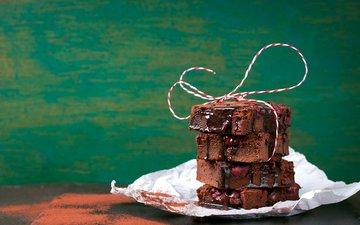 вишня, шоколад, бисквит, пирожное, шоколадная глазурь