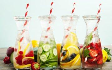 фрукты, клубника, лёд, лимон, ягоды, черника, бутылки, красная смородина, трубочки, освежающие напитки