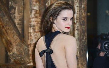 девушка, взгляд, модель, лицо, актриса, красные губы, эмма уотсон, голые плечи