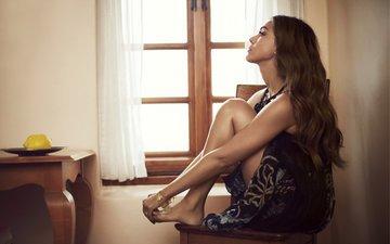 девушка, взгляд, модель, профиль, ножки, лицо, актриса, джесика альба, сидя, босиком