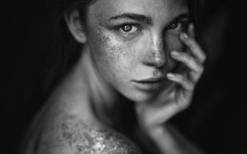 hand, girl, look, black and white, hair, face, freckles, alina, bare shoulders, agata serge