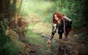 вода, лес, девушка, ручей, меч, лицо, доспехи, рыжеволосая, ольга бойко