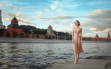 река, девушка, москва, взгляд, волосы, лицо, георгий чернядьев, розовое платье, mariya, maria zhgenti