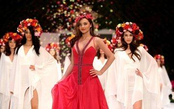 цветы, стиль, фон, платье, модель, макияж, виктория сикрет, показ, миранда керр, венки